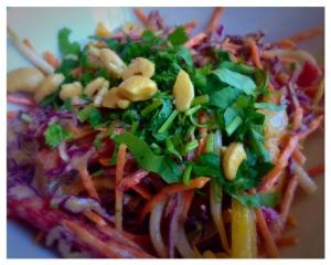 Raw pad thai - Greens & Vines